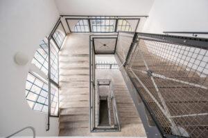 Treppenaufgang im Eiermannbau Apolda.